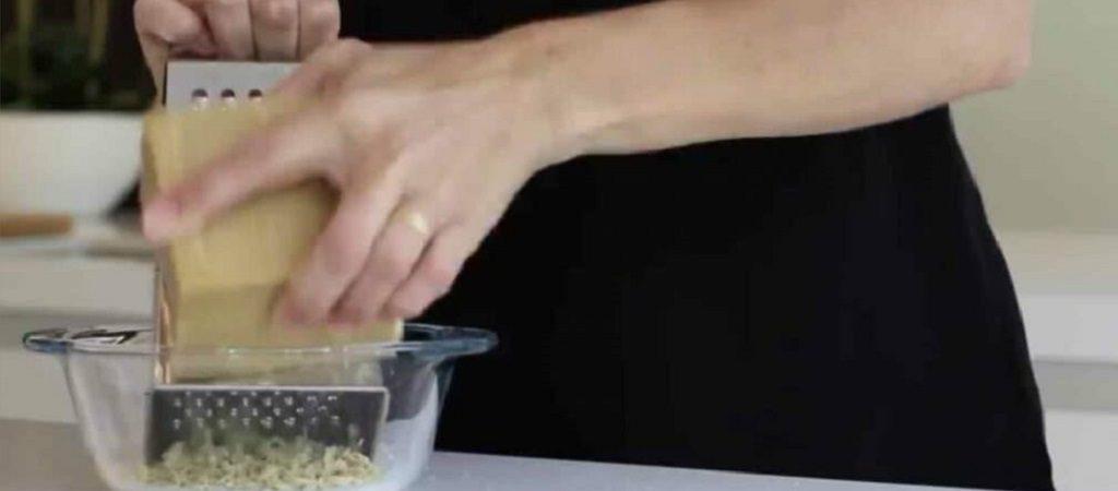 zelf wasmiddel maken van stuk marseille zeep - anne drake laat zien hoe!