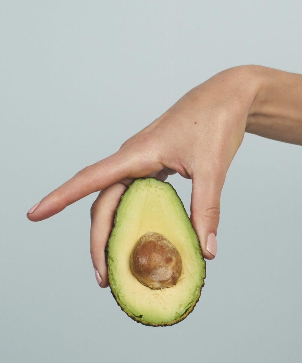 Avocado is één van de ingrediënten in Naif Skincare
